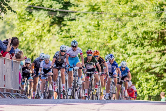 The women's peloton fights for position.