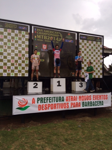 Stephen Ettinger celebrates his win at the 2014 Pan Am MTB Championships