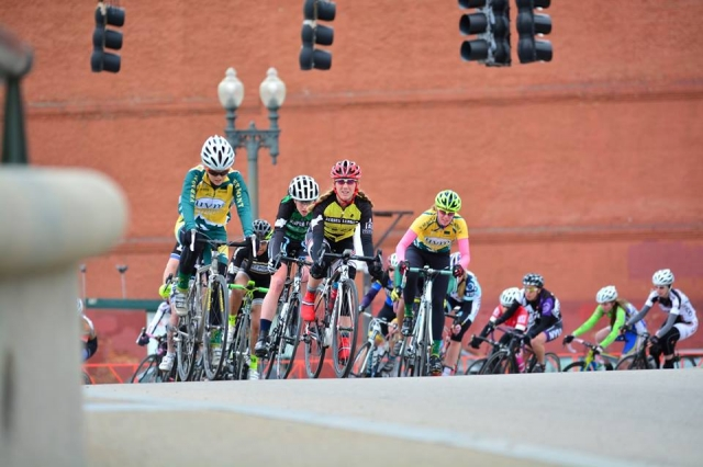 The Women's A race during the final weekend of the ECCC road season (Photo Credit: André Rauh)
