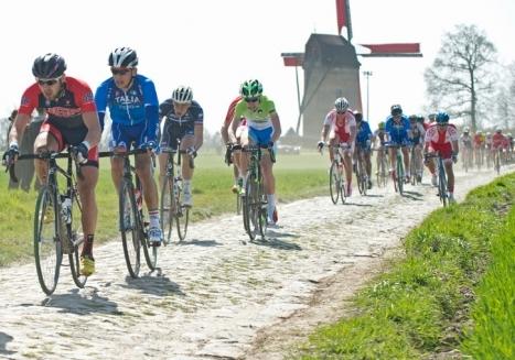DEVO: Juniors clobber cobblestones at Paris-Roubaix