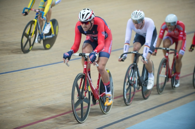 Bobby Lea wins the men's scratch bronze medal.