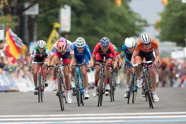 The final sprint for elite women