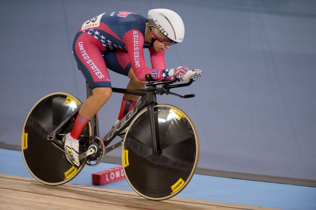 Hammer won the women's omnium individual pursuit by nearly four seconds.