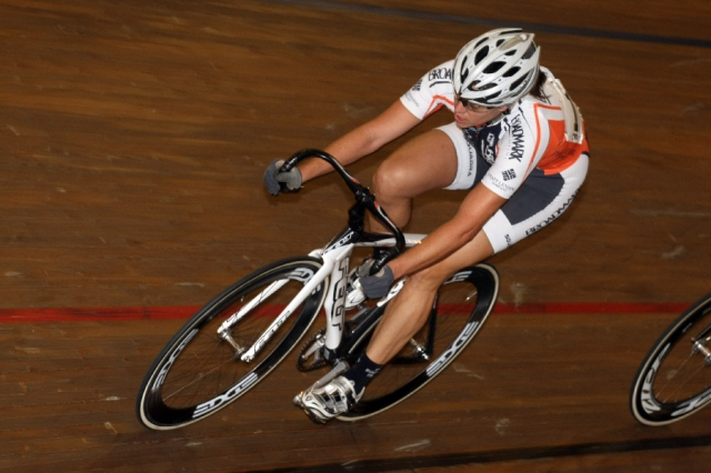 Jennifer Triplett on the way to third place in the women's omnium scratch race