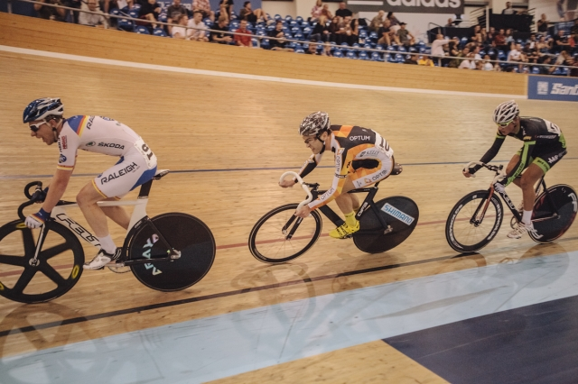 The men's scratch race