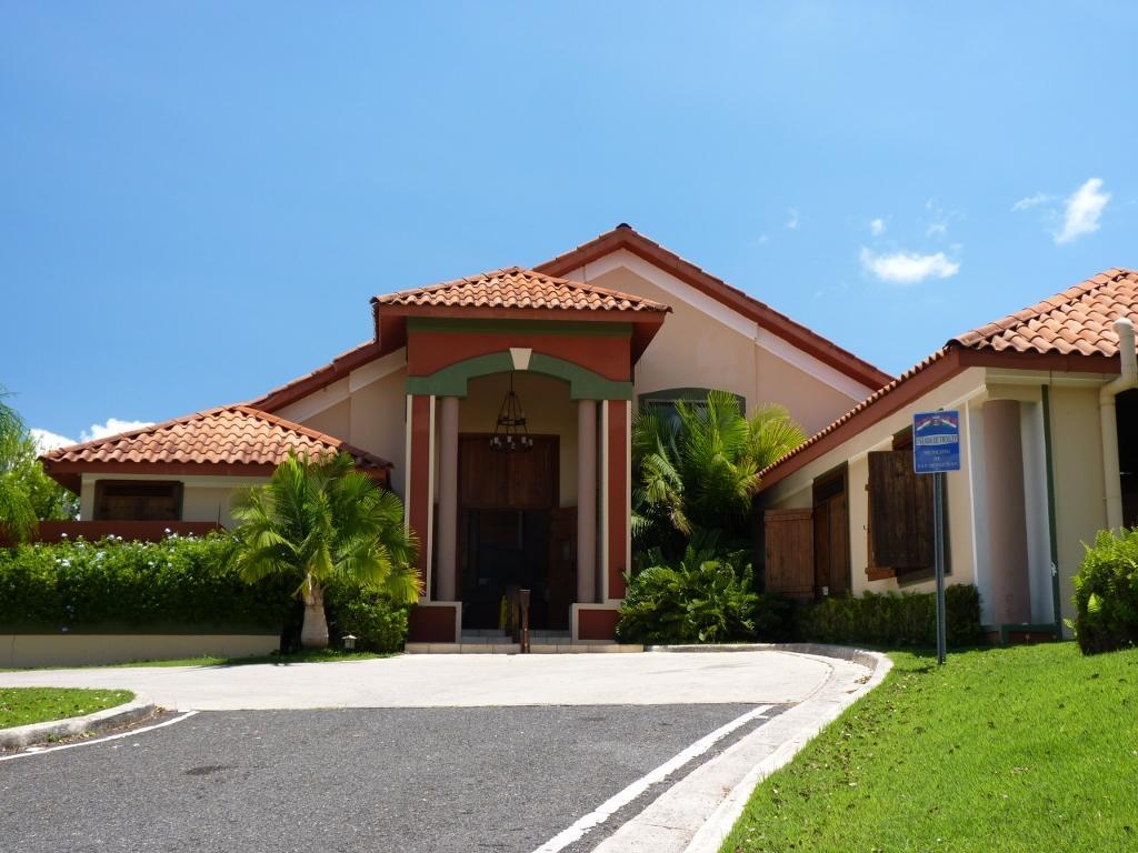 Hacienda el jibarito for Fotos de piscinas modernas en puerto rico