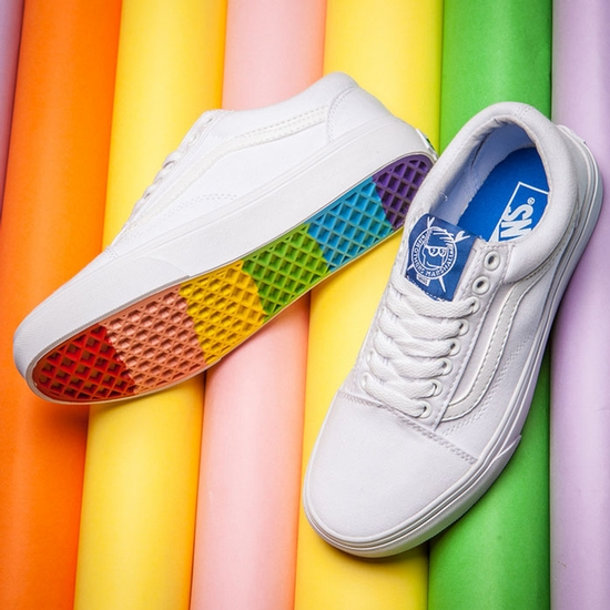 c8ca3fd67d04 ... Dj - Vans White Rainbow Sole Old Skool Shoes Classic Canvas  http   www.canvasshoesstore.com vans-white-rainbow-sole-old-skool-shoes -classic-canvas.html