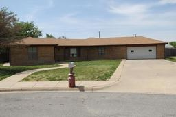 2102 vallejo, perryton, TX 79070