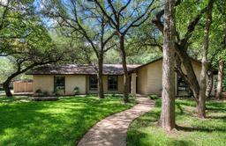 9203 Hazelhurst DR, Austin TX 78729