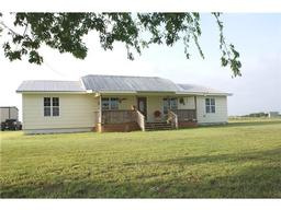 1229 County Road 420, Thorndale TX 76577