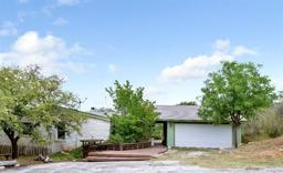 550 Hillview DR
