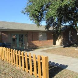 1708 W Crockett, Beeville, TX, 78102