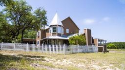 985 Klein-Ahrens Rd, Fredericksburg, TX 78624