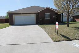 812 Pheasant Run, Dumas, TX 79029