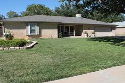 300 BENNETT Ave, Dumas TX 79029