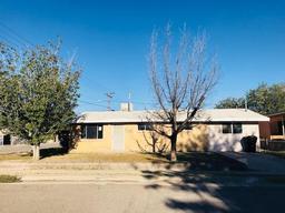 501 8th street, anthony, TX 79821