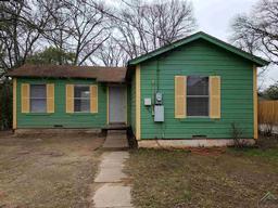1727 w mims street, tyler, TX 75702