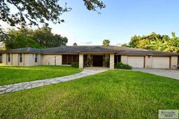14 robins ln, brownsville, TX 78520