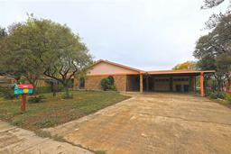 6020 springfield ave, lared, TX 78041