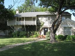 2009 1st street, brownwood, TX 76801