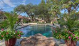 4420 ledgeview road, fort worth, TX 76109