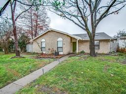 1810 Windsong Trail