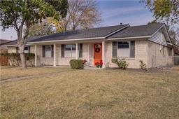 2214 bamboo street, mesquite, TX 75150