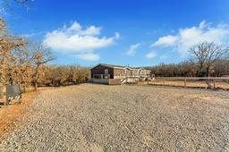 1752 county road 1886, sunset, TX 76270