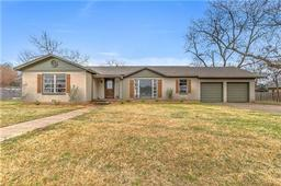 110 s jones street, granbury, TX 76048