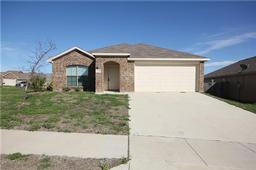 2256 old leonard street, fort worth, TX 76119