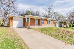 6207 greenlee street, fort worth, TX 76112