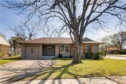 2102 prichard lane, dallas, TX 75227