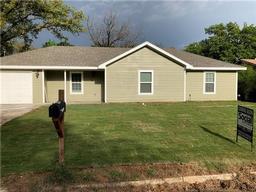 118 briarwood drive, kennedale, TX 76060