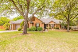 521 meadowbrook street, lake dallas, TX 75065