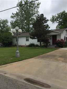 2013 N Main Street, Bonham TX 75418