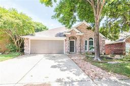 929 grasswood drive, arlington, TX 76017