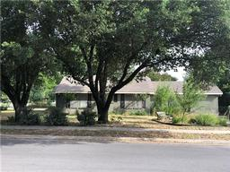 1308 poindexter avenue, cleburne, TX 76033
