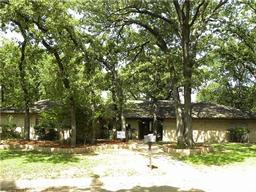 1801 oak grove drive, arlington, TX 76013