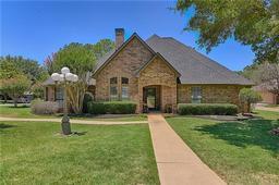 3318 roosevelt drive, dalworthington gardens, TX 76016
