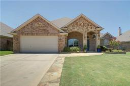 817 willow wood drive, saginaw, TX 76179