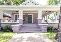 1515 s adams, fort worth, TX 76104
