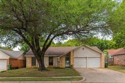 2403 Redbrook Court, Arlington TX 76014