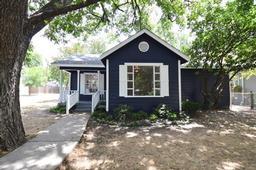 1801 s henderson street, fort worth, TX 76110