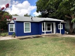 3733 neches street, fort worth, TX 76106