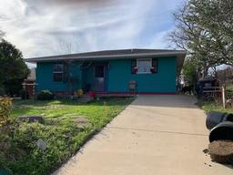 2615 hutchinson street, fort worth, TX 76106