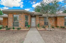 426 northwood trail, cedar hill, TX 75104