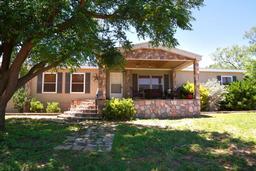 412 S Adams St, Coahoma, TX 79511