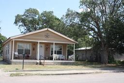 509 S Vivian St, Crane, TX 79731
