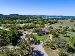 193 ranch house rd, kerrville, TX 78028
