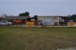 4858 us highway181, floresville, TX 78114
